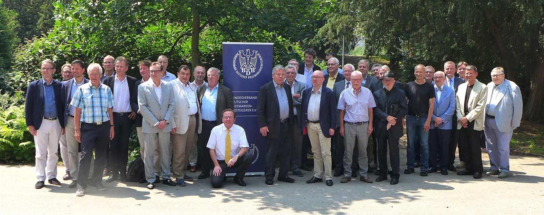Das obligate Gruppenfotos der BDB-Mitglieder und Gäste. Foto: Wolfgang Maassen